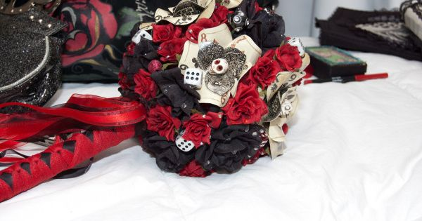 Handmade and high style: wedding accessories with a bit of of a retro Vegas vibe!