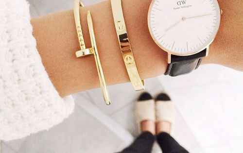 daniel wellington + cartier. okay, maybe not cartier, but a black strap