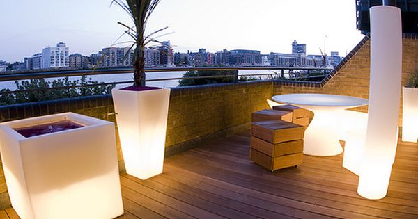 The Funky Roof Terrace Garden By Earth Designs Www Earthdesigns Co Uk London Garden Design And Landscape Build Rooftop Terrace Design Terrace Design Roof Terrace Design
