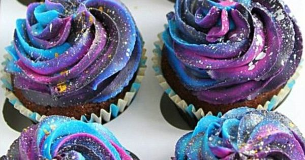 Galaxy Themed Desserts Are Taking Instagram By Storm