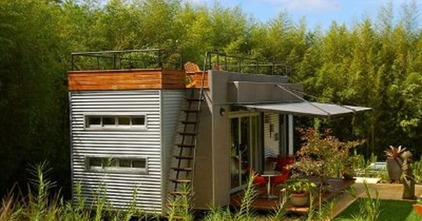 casa c bica turns shipping container into vacation villa roof deck decking and large containers. Black Bedroom Furniture Sets. Home Design Ideas