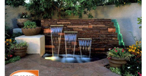 Si en tu patio tienes una esquina con forma asim trica te - Fuentes para jardin exterior ...