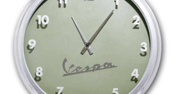 ... original Vespa 98. Cette horloge murale au design rétro chic reprend