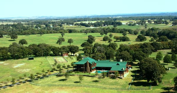 Wonderful Ranch Of Nfl Legend Terry Bradshaw