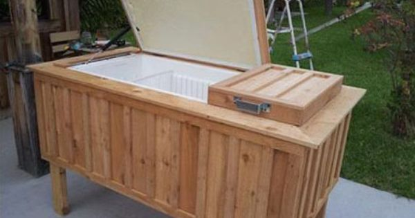 Repurpose An Old Non Working Fridge Into A Large Backyard Ice Chest Old Refrigerator Ice Chest Diy Design