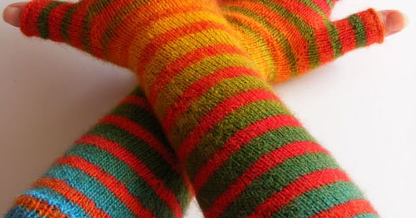 armwamers knit zauberball crazy a self patterning yarn that explodes with colors free pattern. Black Bedroom Furniture Sets. Home Design Ideas