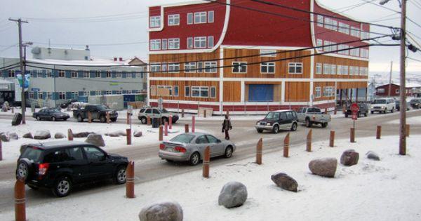 iqaluit nunavut language