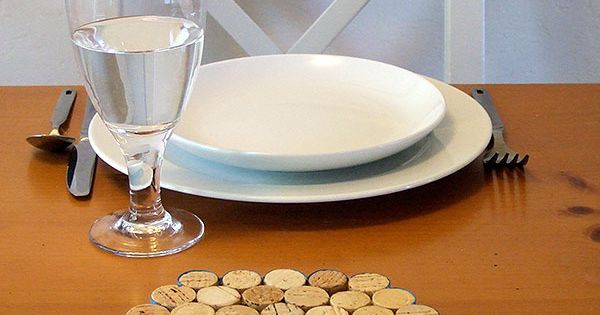 DIY & Crafts - Craft Ideas - Wine Cork Trivet Instructions