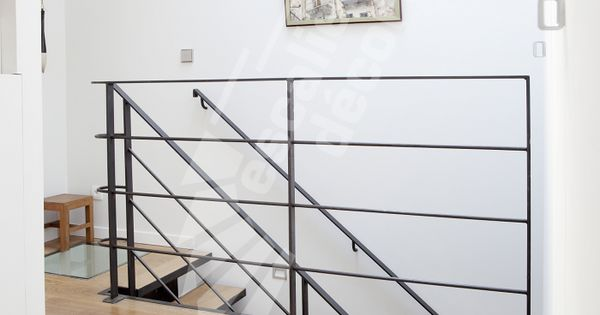 Photo dt79 garde corps m tallique contemporain en protection vide tr mie l 39 tage escalier - Garde corps ontwerpen contemporain ...