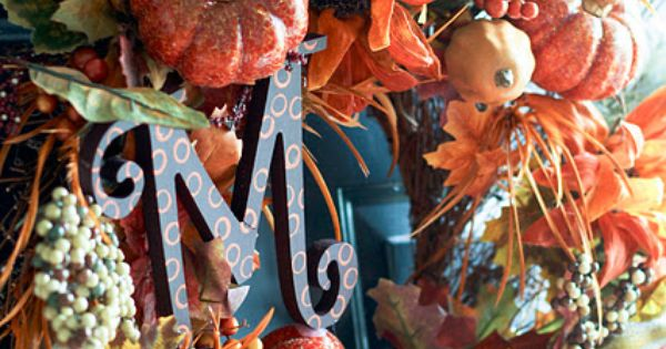 Fall Front Porch Love this fall decoration just have to put an