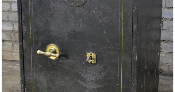 coffre fort ancien withers et son secure pinterest coffre fort maillots de bain et ancien. Black Bedroom Furniture Sets. Home Design Ideas