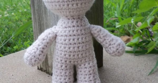 Crochet Dolls - use this pattern for the body and let your