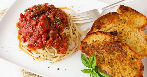 Toast, Spaghetti and Garlic on Pinterest