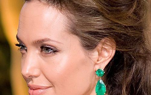 Angelina Jolie In Lorraine Schwartz Earrings Emerald