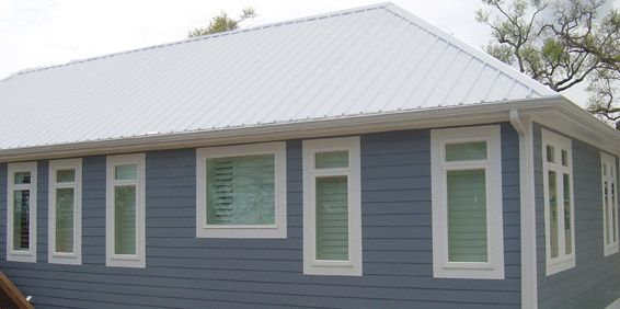 Houses With Shasta White Roof Metal Roof Color Metal Roof Grey House Timber House House Exterior Fibreglass Roof