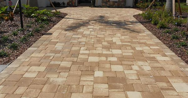 Mega Olde Towne Cappuccino Paver Driveway Installed In A