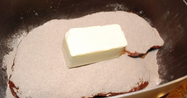 396879785885187595 easy crockpot roast: Put roast in the crock pot, sprinkle whole