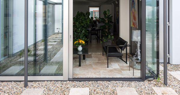 travertin rustic platten im kiesbett travertin auf der terrasse pinterest. Black Bedroom Furniture Sets. Home Design Ideas
