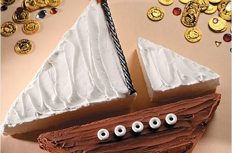 Sailboat birthday cake - simple.