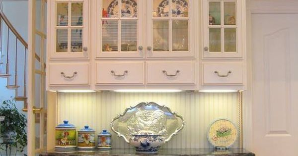 Beautiful built in china cabinet kitchen for Beautiful built in kitchens