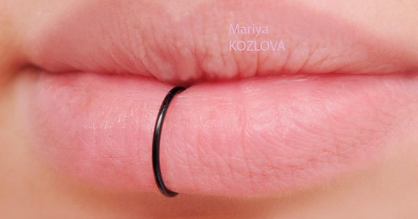 no piercing large big 12mm black lip ring piercing imitation falso labbro fake lippe piercing. Black Bedroom Furniture Sets. Home Design Ideas