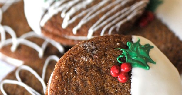 Gingersnaps stuffed with cream and dipped in white chocolate. Holiday treat