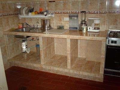 Muebles De Cocina De Ceramica Buscar Con Google Cocinas De Estilo Rustico Cocinas De Casas Pequenas Cocina De Cemento