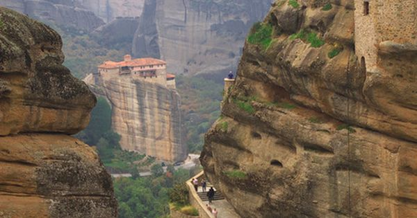 Mountain Monastery, Meteora, Greece I SOOOOOO want to visit this place!