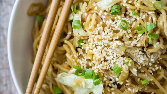 15 Minute Easy Yakisoba Noodle Stir Fry | Recipe | Wanderlust, The ...