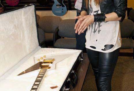 Halestorm's Lzzy Hale Receives Gibson Signature Explorer, Talks Guitars HALESTORM LzzyHale