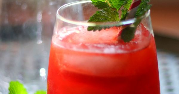 This low carb hurricane cocktail is sweet and fruity and packs up punch without the carbs! From ...