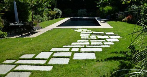 Allee de jardin contemporain b ton ext rieur pinterest lawn gardens and landscaping - Allee de jardin en beton rouen ...