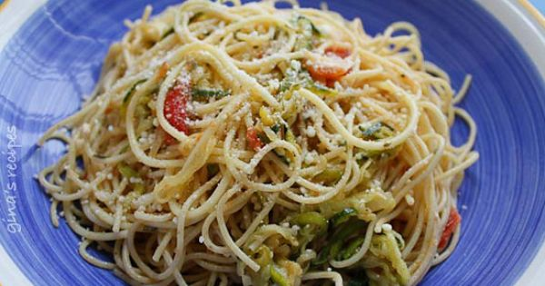 WW Angel Hair Pasta with Zucchini and Tomatoes | Skinnytaste - just