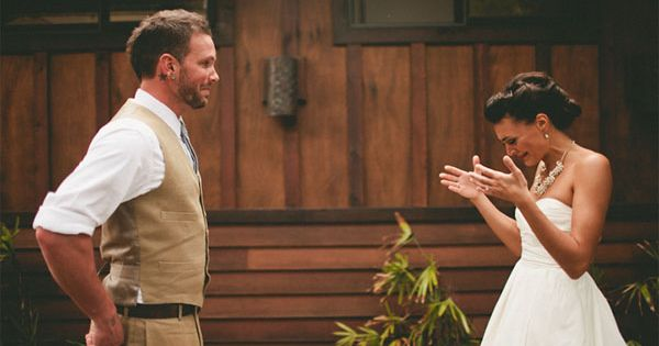12 Touching First Look Photos That Show Grooms Crying - My Modern