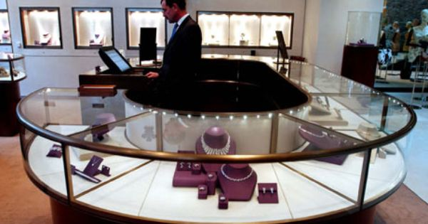 Hermes Pays 75m For Asprey S Bond Street Store Asprey Bond Street Jewellery Display