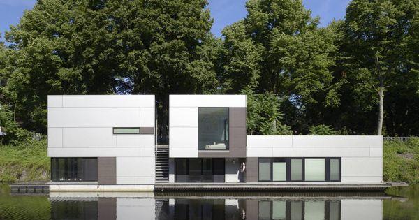 hausboot im sch nen hamburg floating house house and architecture interior design. Black Bedroom Furniture Sets. Home Design Ideas