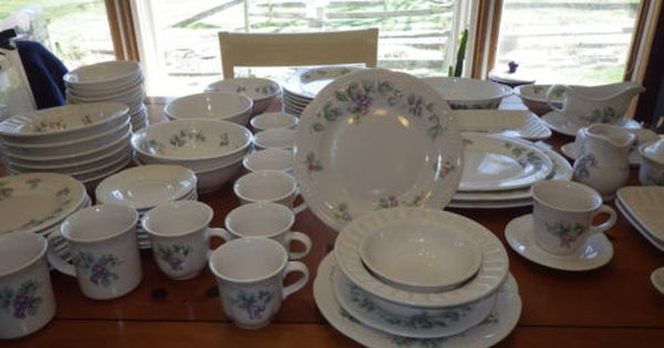 Large Dinnerware Set By Pfaltzgraff Grapevine 78 Pieces Hostess