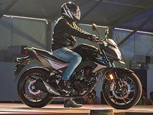 Honda Hornet 160r Vs Suzuki Gixxer Vs Yamaha Fz S Fi Spec