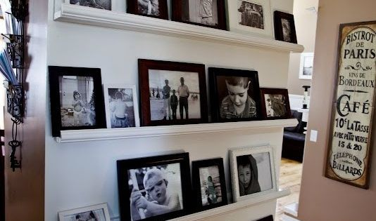 shelving ideas - No drilling holes, easy to change and move frames around. pictures wall decor