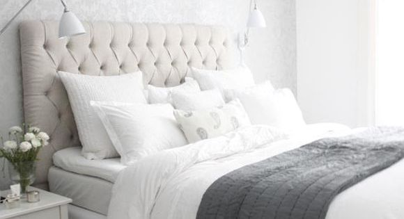 20 formas de decorar un dormitorio en blanco paredes for Decorar dormitorio en tonos grises
