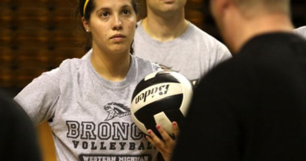 Western Michigan University Junior Setter Sam Viox Back In Her Element After A Volleyball Season On The Bench Western Michigan University Western Michigan Michigan