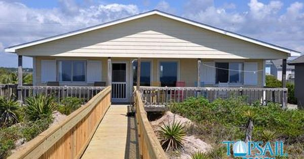 Topsail Realty Inc Vacation Rental Property Sanderling Cottage Vacation Dog Friendly Holiday Cottages Holiday Cottage