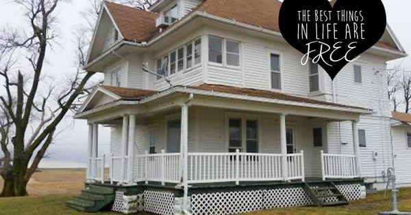Free Houses These 6 Gorgeous Old Houses Are Free For The Taking Provided You Can Move The Farm House For Sale Farmhouse Victorian Abandoned Mansion For Sale