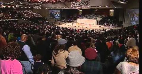 2012 Watch Night Service At The Potter S House Of Dallas With Bishop T D Jakes Youtube Sunday Worship Watch Night Service Word Of Faith