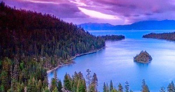 Il Lago Tahoe -Sierra Nevada -Stati Uniti , tra California ...