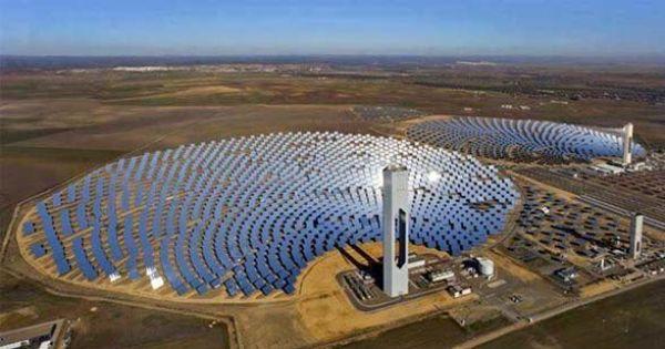 World S Largest Solar Farm Will Generate Enough Electricity To Power 320 000 Households Solar Farm Solar Technology Solar Power House