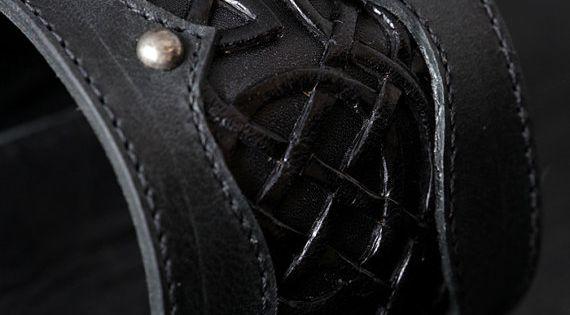 Lederen manchet lederen armband zwart leder manchet met een keltische ontwerp keltische black - Ontwerp nordique ...