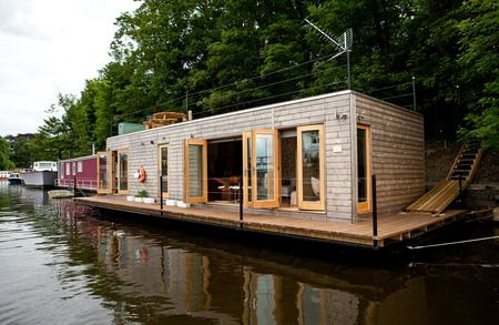 2 Bedroom House Boat For Sale In Hampton Court 467759 Waters Edge House Boat Water House House Boats For Sale