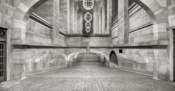 "Grand Central Incline: 1910 ""Incline from subway to suburban concourse, Grand Central"