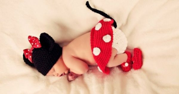 Cute Baby in a Crochet Minnie Mouse Costume... now to find the